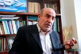 دبیرکل حزب اسلامی کار گفت: قانون اساسی اصل را بر برائت میداند نه احراز صلاحیت٬ اما در کشور ما این امر برعکس است.